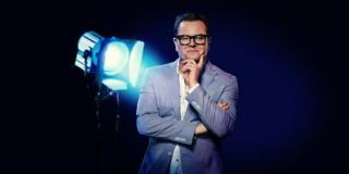 News: Alan Carr Helps to Give Kylie Minogue Fans A Christmas Surprise